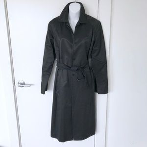 Kenneth Cole black belted trench coat/rain coat -M